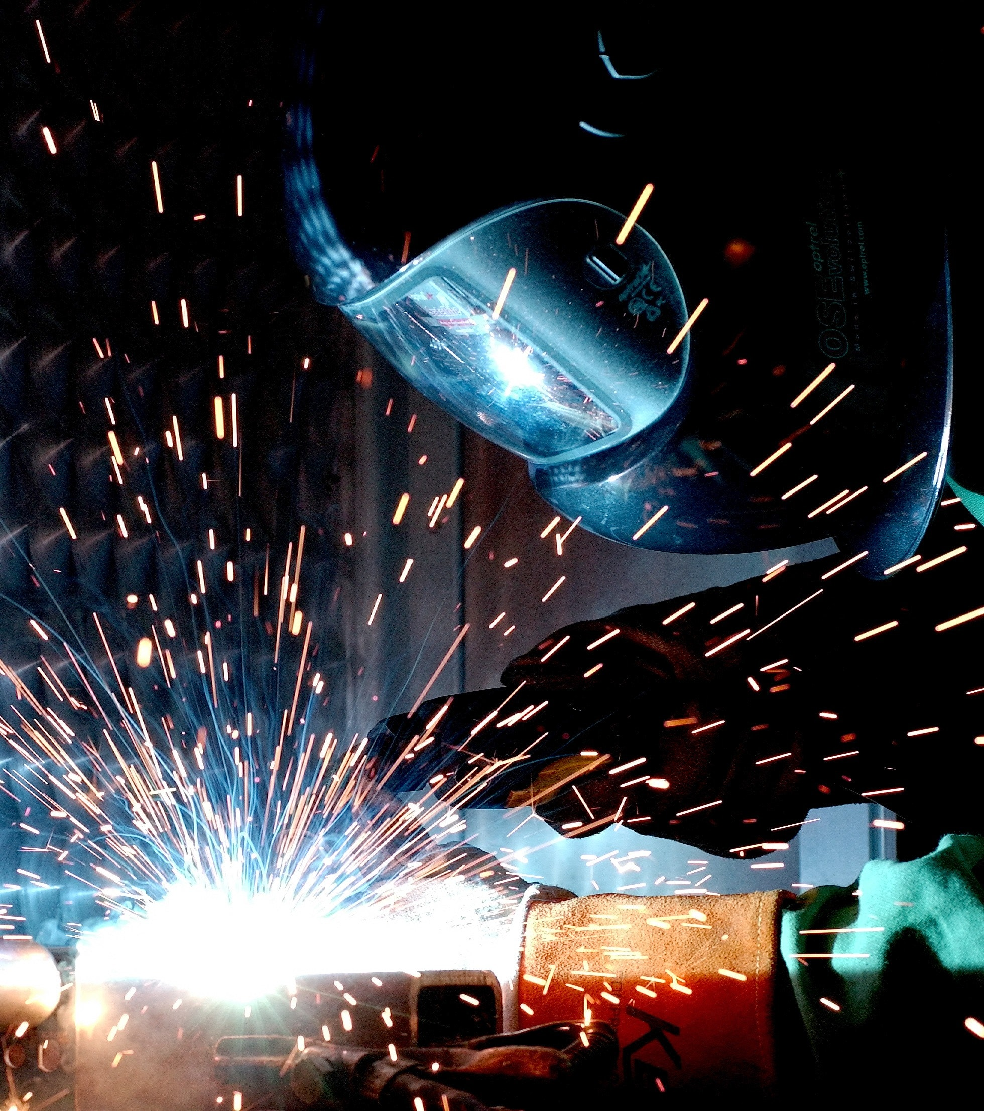 How can you reduce your energy costs in the manufacturing industry?